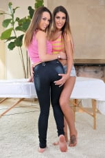 August Ames - Massage Threesome Part 2 (Thumb 07)