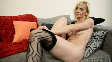 Nia Black - Fishnet Granny