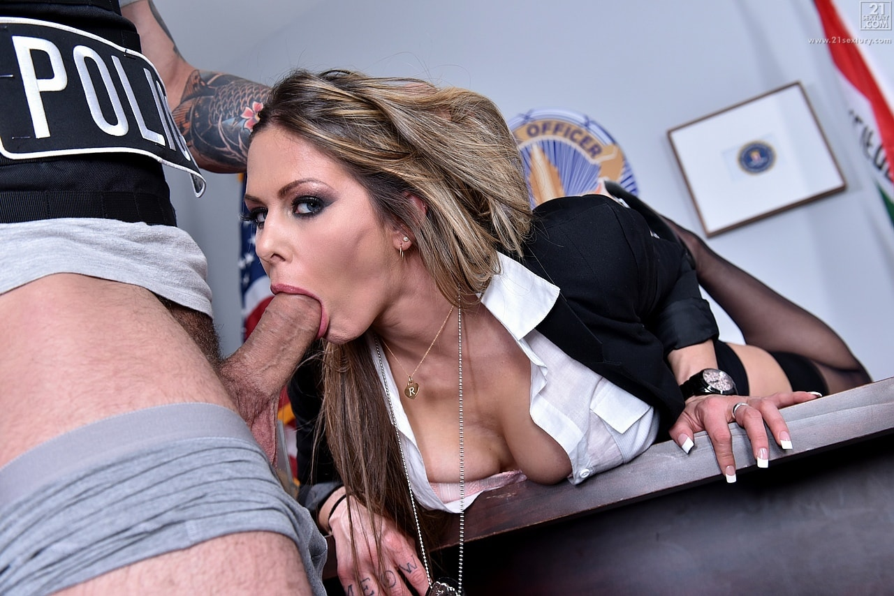 21Sextury 'The Woman Behind the Badge' starring Rachel Roxxx (photo 120)
