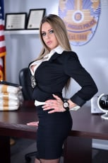 Rachel Roxxx - The Woman Behind the Badge (Thumb 12)