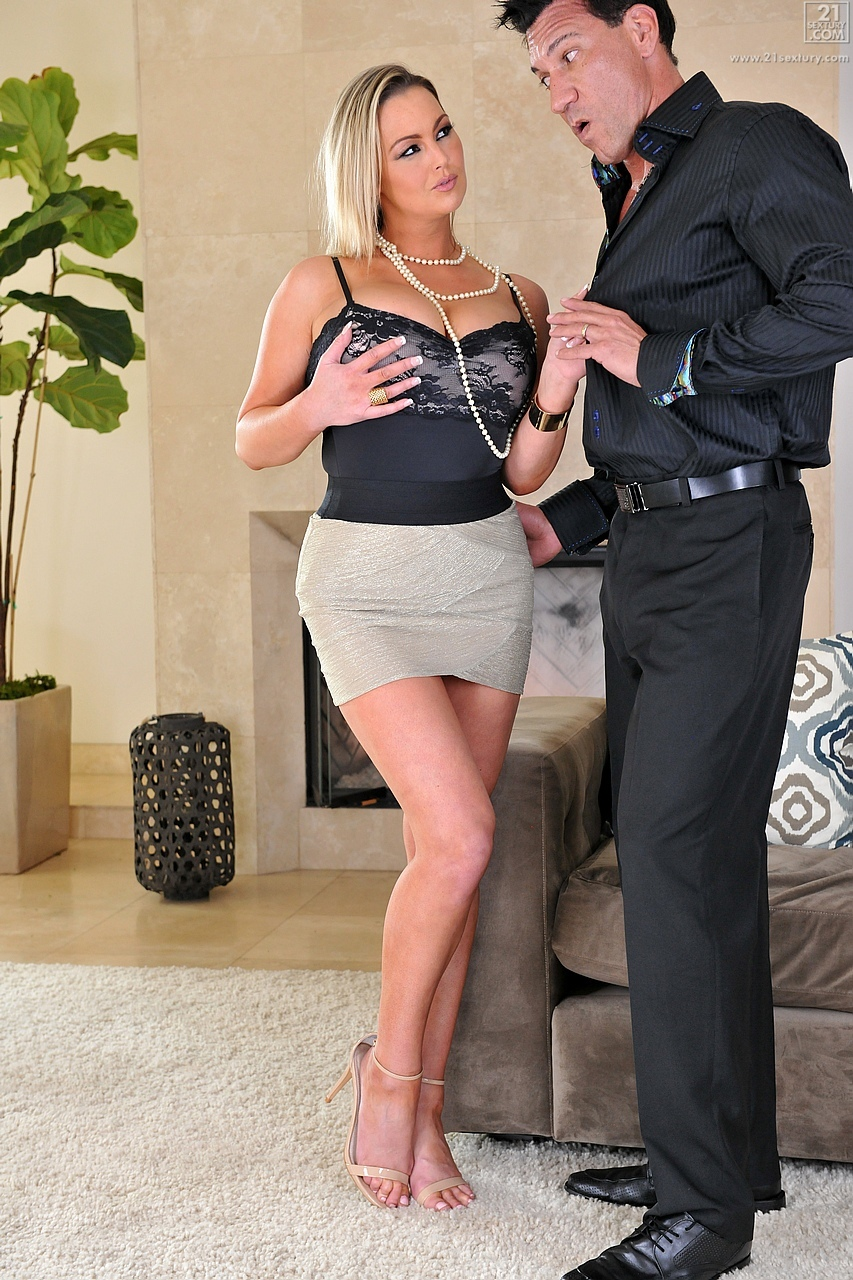 21Sextury 'Sexy Housewife' starring Abbey Brooks (Photo 30)