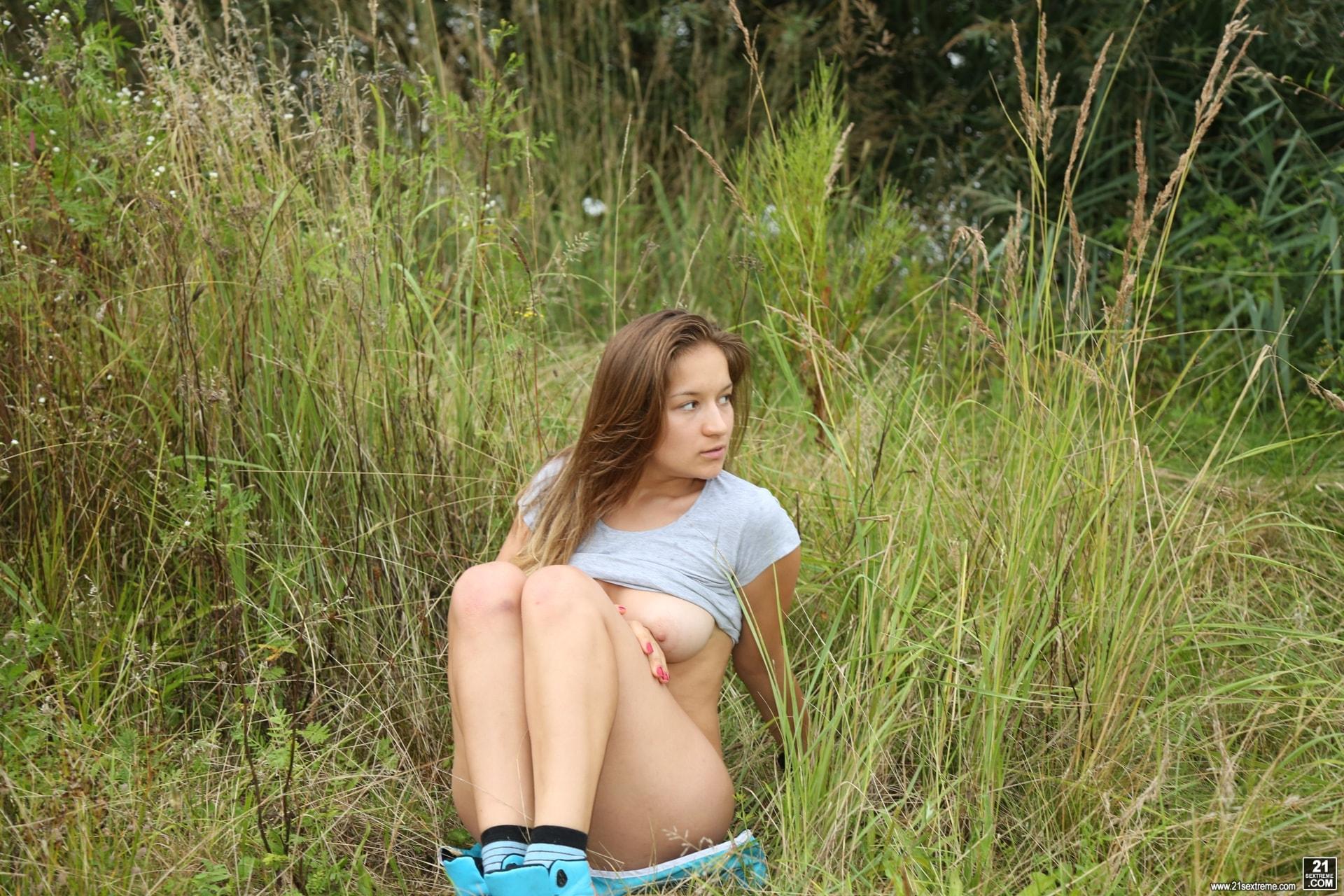 21Sextury 'Running Wild' starring Adelle B (Photo 12)