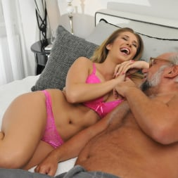 Aida Swinger in '21Sextury' Them Apples (Thumbnail 48)