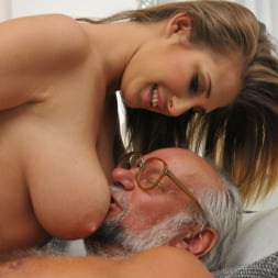 Aida Swinger in '21Sextury' Them Apples (Thumbnail 72)