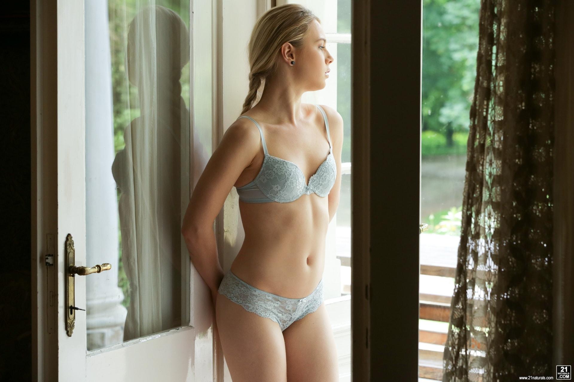 21Sextury 'Intimate Passion' starring Alecia Fox (Photo 1)