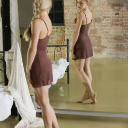 Alecia Fox in '21Sextury' Of Feet And Hands (Thumbnail 1)