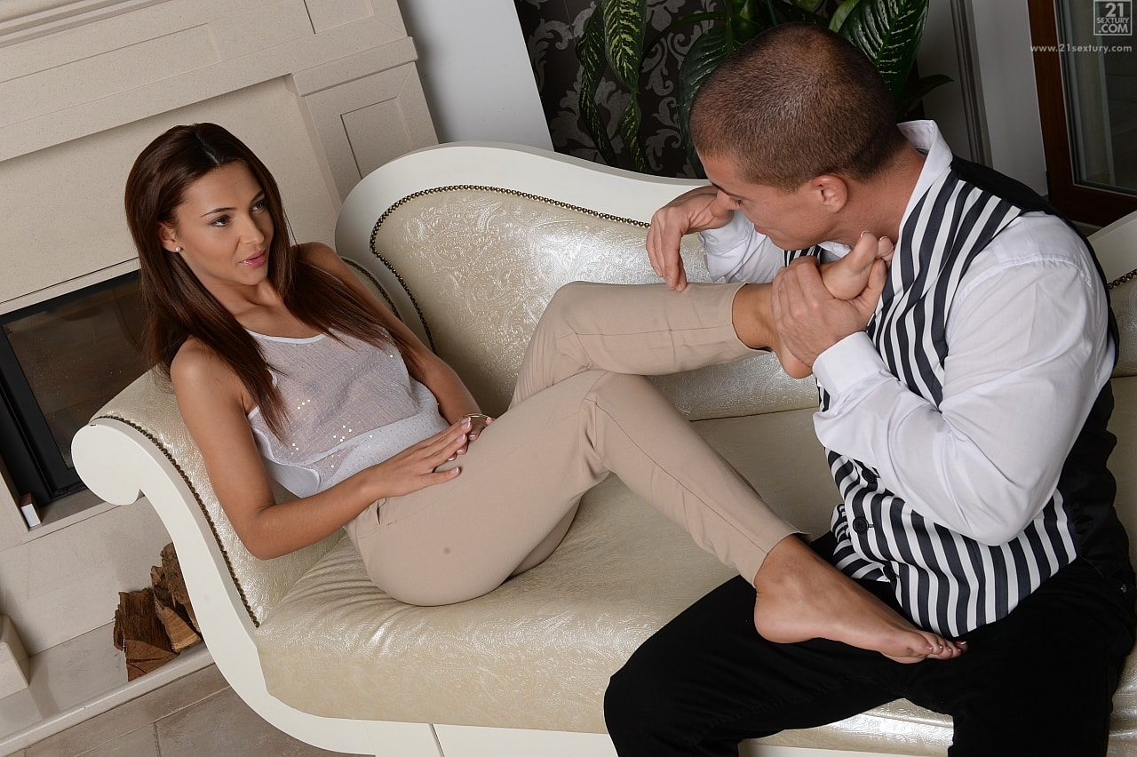 21Sextury 'Rich, Beautiful and Bored' starring Alexis Brill (Photo 55)
