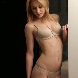 Alice Marshall in '21Sextury' Alice in Pleasureland (Thumbnail 1)