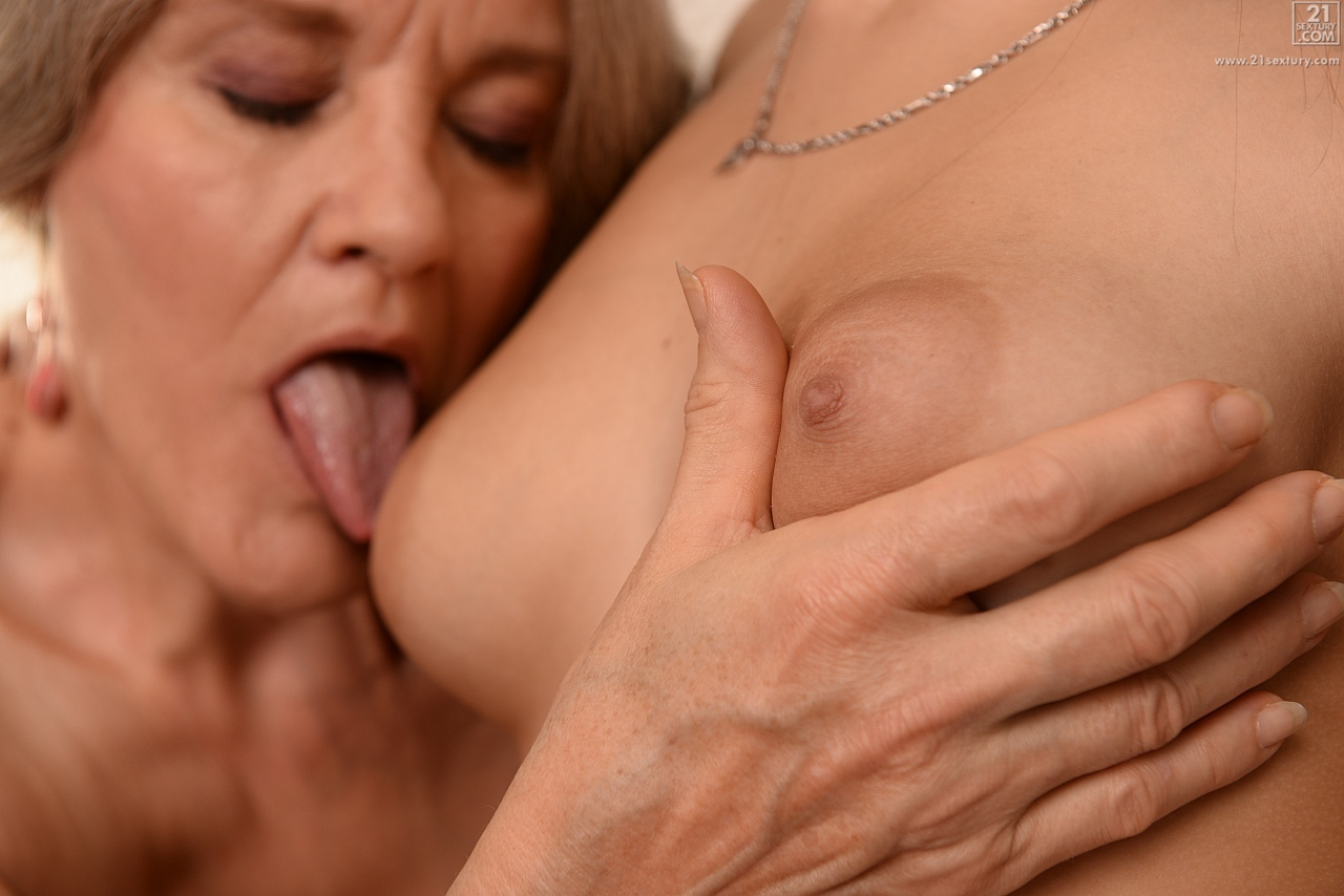 21Sextury 'The Old, the Young and the Busty' starring Aliz (Photo 35)