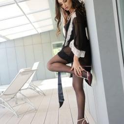Alyssia Kent in '21Sextury' Irresistible feet (Thumbnail 9)