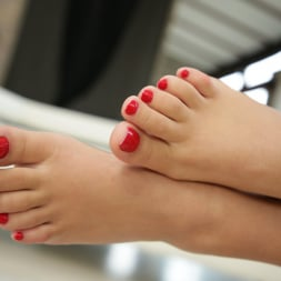 Alyssia Kent in '21Sextury' Licking Cum Off My Toes (Thumbnail 14)