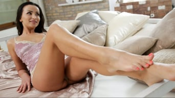 Alyssia Kent in 'The Power Of The Feet'