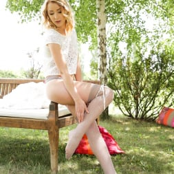 Amaris in '21Sextury' Her Feet Lover (Thumbnail 1)