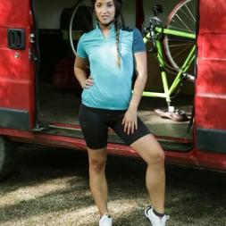 Amirah Adara in '21Sextury' Biking Pickup Services (Thumbnail 1)