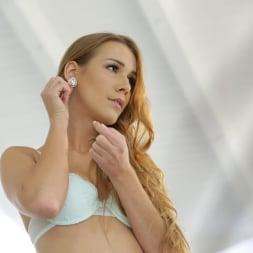 Amirah Adara in '21Sextury' Cum-covered Alexis Crystal (Thumbnail 100)