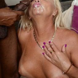 Anett in '21Sextury' Lusty Granny Annett Craves Dark Meat (Thumbnail 225)