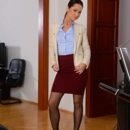 Angie Moon in '21Sextury' Sexy Assistant Gets DP (Thumbnail 1)