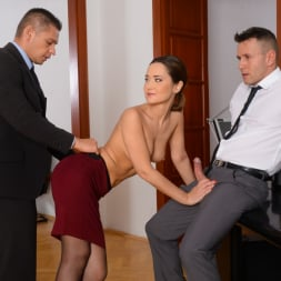 Angie Moon in '21Sextury' Sexy Assistant Gets DP (Thumbnail 95)