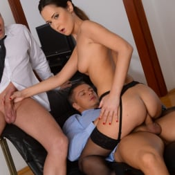 Angie Moon in '21Sextury' Sexy Assistant Gets DP (Thumbnail 171)