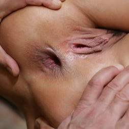 Anissa Kate in '21Sextury' Anal and DP with a Queen (Thumbnail 154)