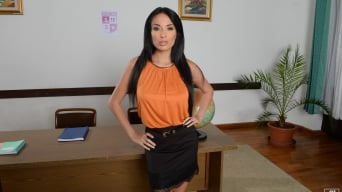 Anissa Kate in 'The Sexiest Teacher Ever'
