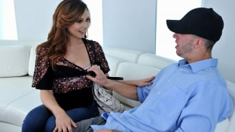 Ariana Marie in 'Perfect girlfriend'