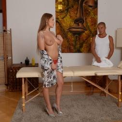 Ariel Temple in '21Sextury' Divas Love Massages (Thumbnail 38)