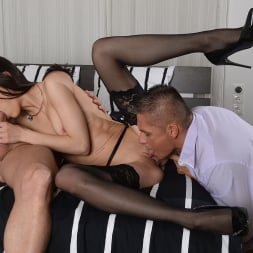 Arwen Gold in '21Sextury' Sultry Dame Loves DP (Thumbnail 90)