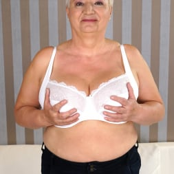 Astrid in '21Sextury' Lulu's Juicy Granny Time (Thumbnail 66)