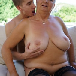 Astrid in '21Sextury' Lusty Granny's Poolside Fuck (Thumbnail 72)