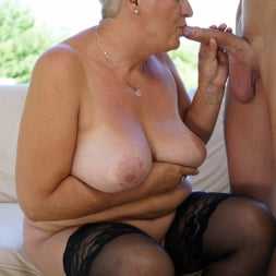 Astrid in '21Sextury' Lusty Granny's Poolside Fuck (Thumbnail 126)