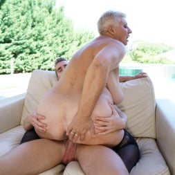 Astrid in '21Sextury' Lusty Granny's Poolside Fuck (Thumbnail 162)