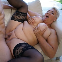 Astrid in '21Sextury' Lusty Granny's Poolside Fuck (Thumbnail 216)