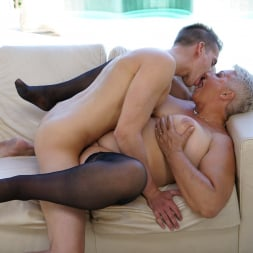 Astrid in '21Sextury' Lusty Granny's Poolside Fuck (Thumbnail 234)