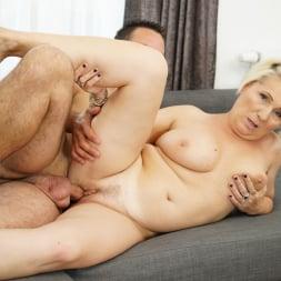 Bibi Pink in '21Sextury' Young Cock Craving (Thumbnail 36)