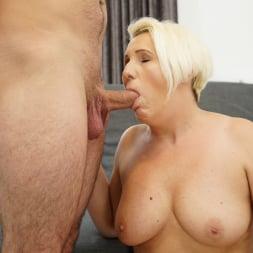Bibi Pink in '21Sextury' Young Cock Craving (Thumbnail 66)