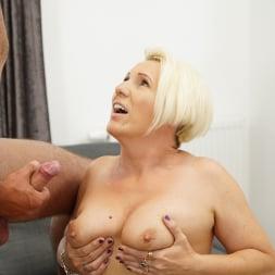 Bibi Pink in '21Sextury' Young Cock Craving (Thumbnail 83)