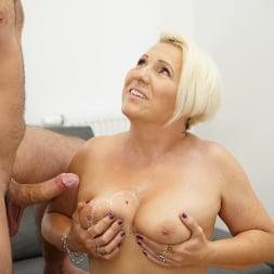 Bibi Pink in '21Sextury' Young Cock Craving (Thumbnail 90)