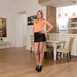 Bree Haze in '21Sextury' Moving In Tips (Thumbnail 1)