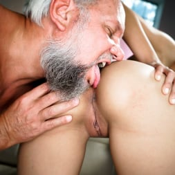 Bunny Love in '21Sextury' Experienced Caress (Thumbnail 56)