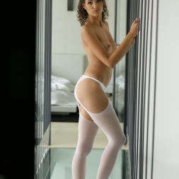 Bunny Love in '21Sextury' The Feet Above (Thumbnail 10)
