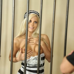 Candee Licious in '21Sextury' The Long Dick Of The Law (Thumbnail 4)