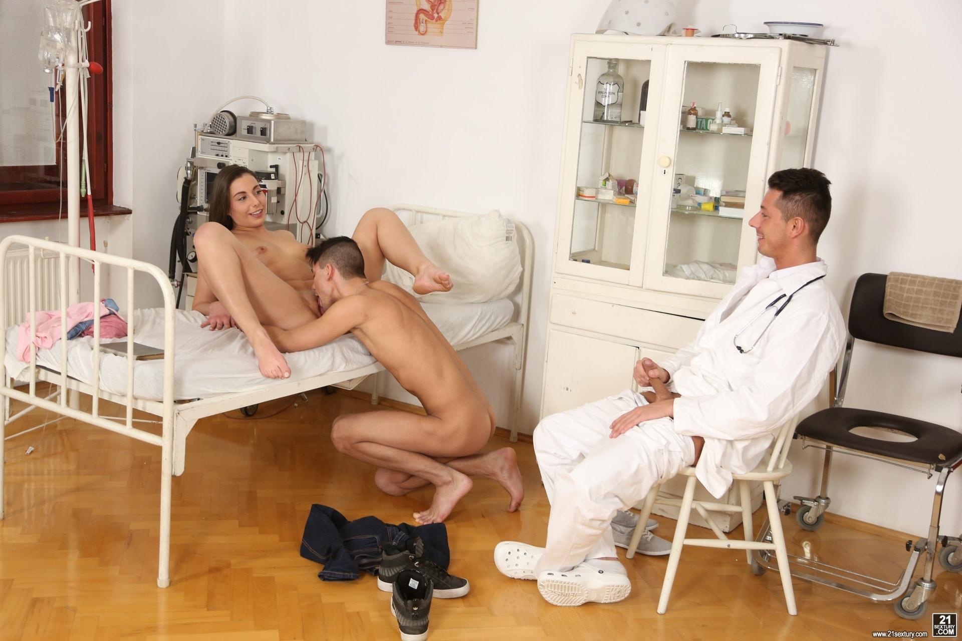 21Sextury 'Hospital Threesome' starring Carla Crouz (Photo 10)