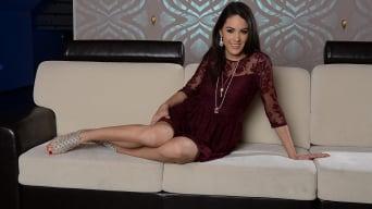 Carolina Abril in 'Do you only wanna dance'