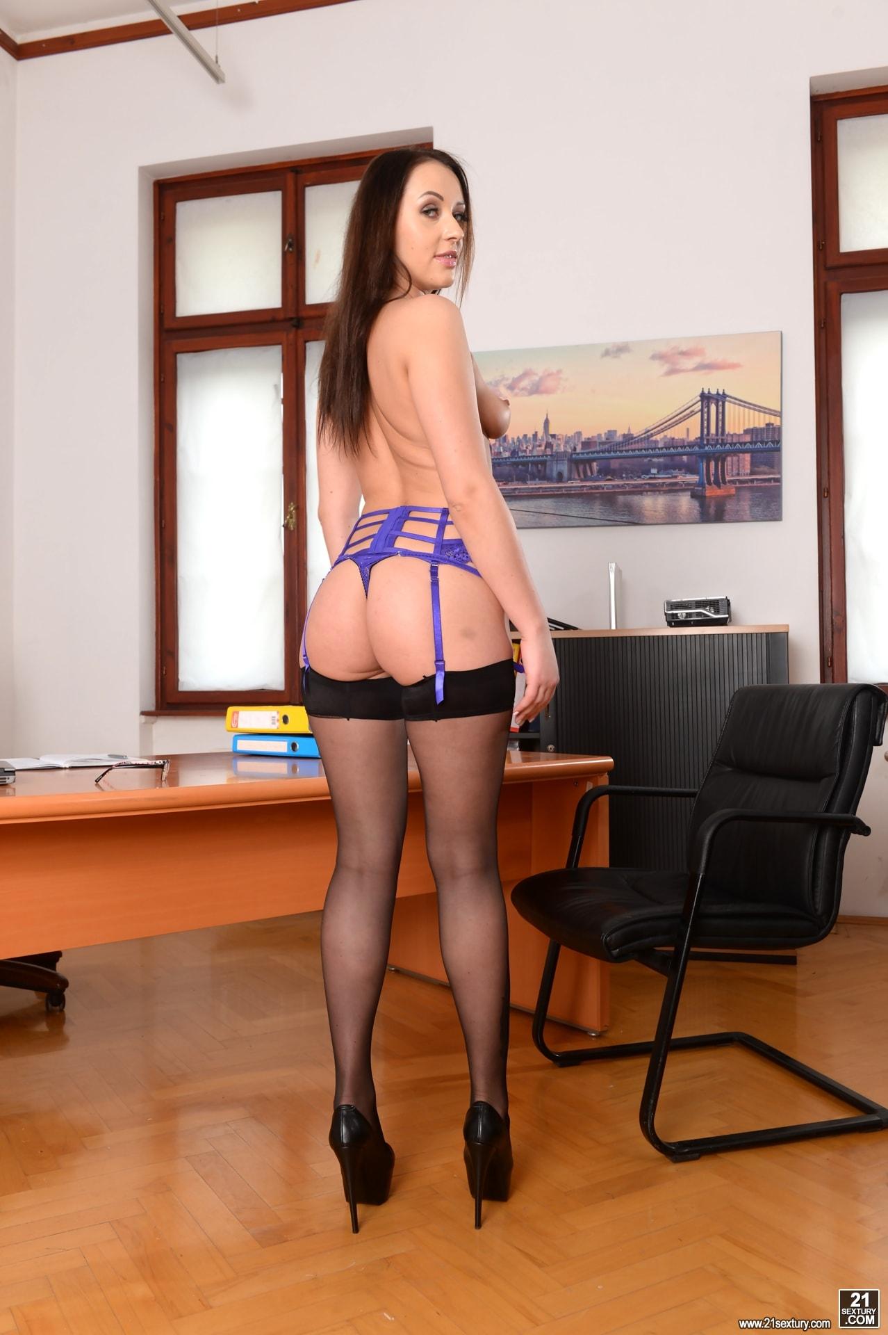 21Sextury 'Anal Secretary' starring Carolina June (Photo 30)