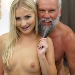 Cayla Lyons in '21Sextury' Be My Baby (Thumbnail 57)