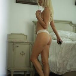Cayla Lyons in '21Sextury' Outdoor Pleasures (Thumbnail 10)