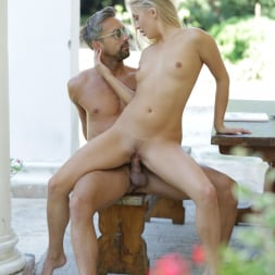 Cayla Lyons in '21Sextury' Outdoor Pleasures (Thumbnail 90)