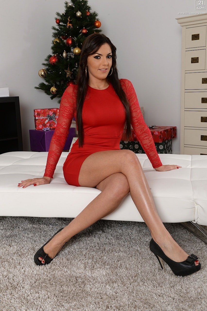 21Sextury 'Tree Dressing with Extras' starring Cecilia De Lys (Photo 1)