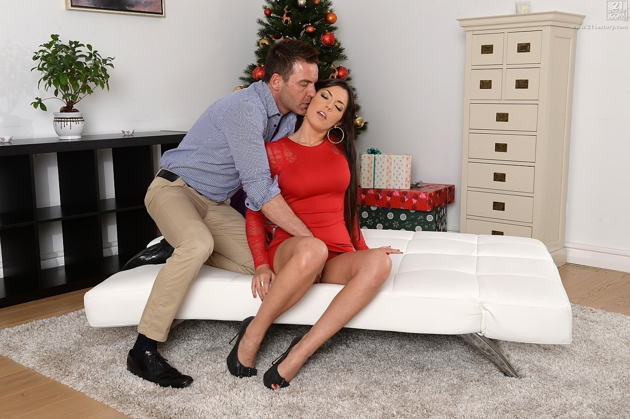 21Sextury 'Tree Dressing with Extras' starring Cecilia De Lys (Photo 48)